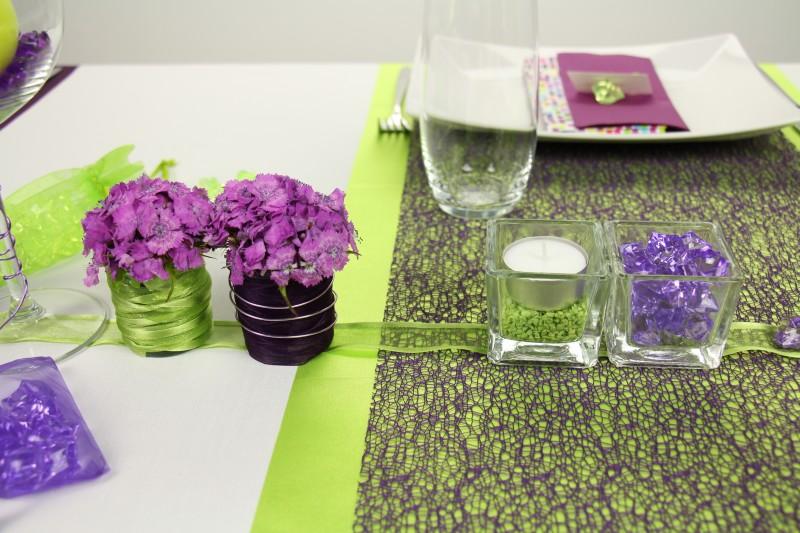 tischdeko lila gr n mustertisch trendmarkt24. Black Bedroom Furniture Sets. Home Design Ideas