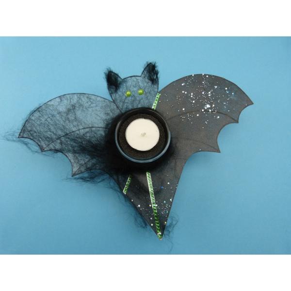 halloween deko mit feldermaus basteln eine gruselige. Black Bedroom Furniture Sets. Home Design Ideas