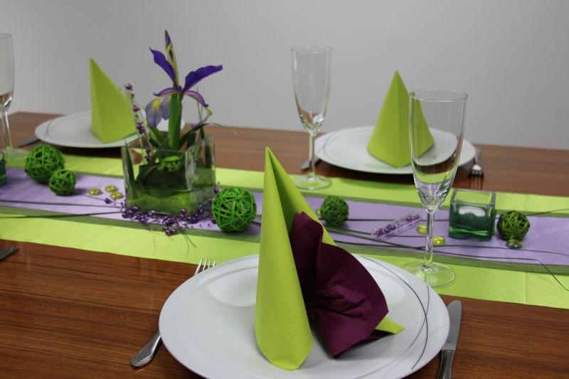 Tischdeko gr n lila mustertisch trendmarkt24 for Tischdeko festlich
