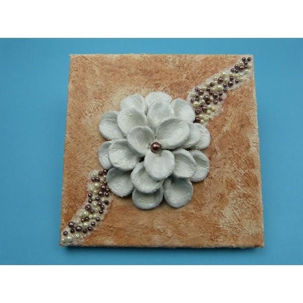Modelliermasse lufttrocknend   Eine schöne Blume auf einen ...