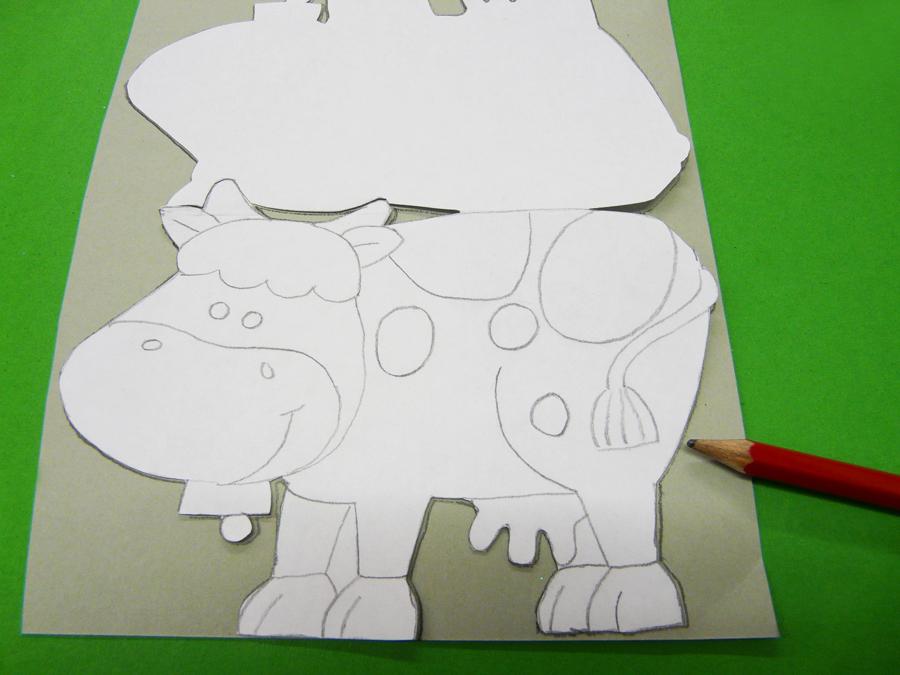 Mit Bastelpapier eine Kuh basteln | Gratis Bastelidee
