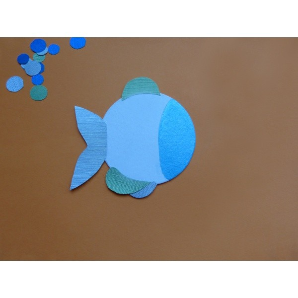 einen regenbogenfisch mit bierdeckel basteln einfach zum nachmachen viele bastelanleitungen. Black Bedroom Furniture Sets. Home Design Ideas