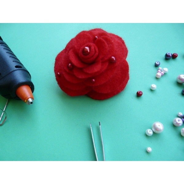 basteln aus filz blumen basteln eine besonders sch ne rose basteln aus filz. Black Bedroom Furniture Sets. Home Design Ideas