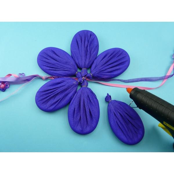 Basteln Mit Krepppapier Eine Herrliche Blume Basteln