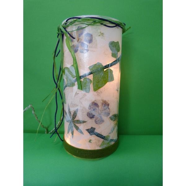 Eine wundersch ne lampe selber basteln bastelanleitung gratis - Lampe kinderzimmer basteln ...
