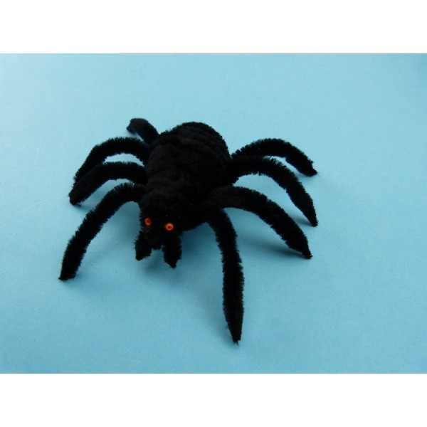 basteln mit pfeifenputzer ein gruslige spinne zu halloween basteln. Black Bedroom Furniture Sets. Home Design Ideas