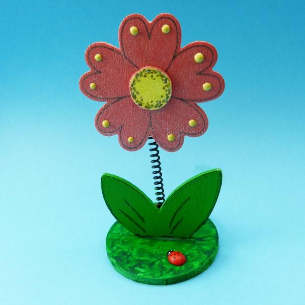 basteln kindergeburtstag eine holzblume zur besch ftigung f r den kindergeburtstag basteln. Black Bedroom Furniture Sets. Home Design Ideas