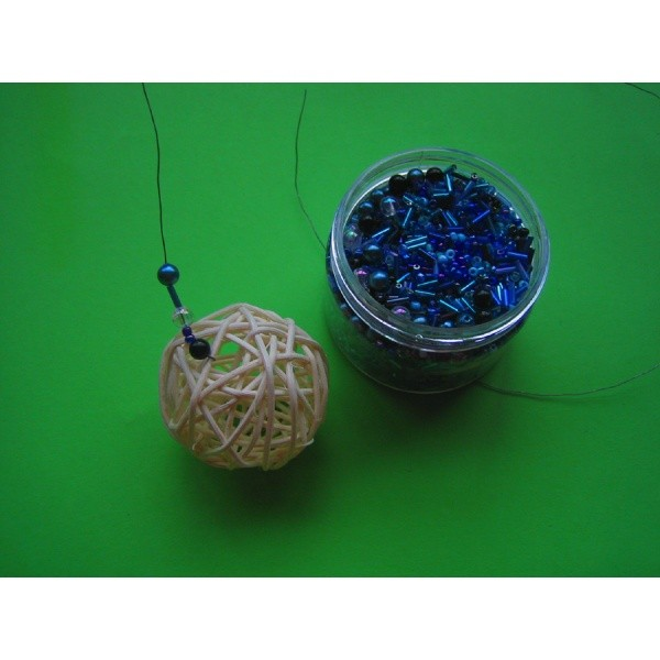 mit perlen basteln eine sch ne bastelidee zum nachmachen. Black Bedroom Furniture Sets. Home Design Ideas